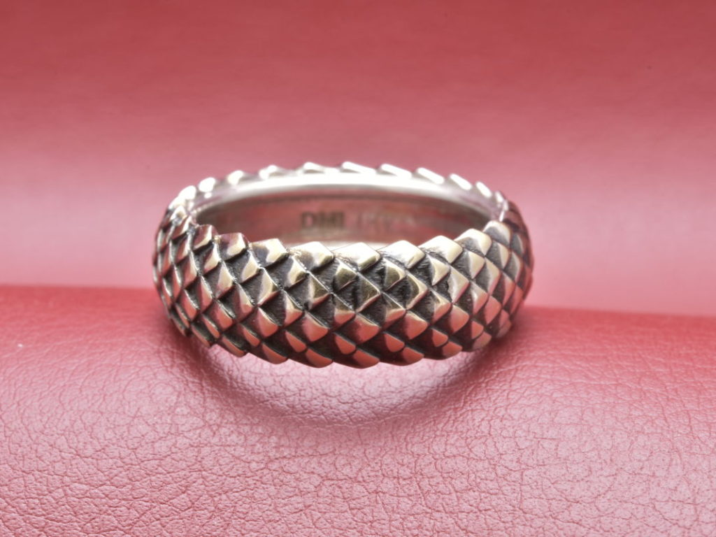 Dragon Scale 18 Karat White Gold Ring - Diana Michaels Jewelers
